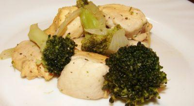 Курица тушеная с брокколи