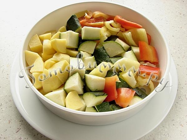 Овощи на пару в мультиварке под соусом бешамель