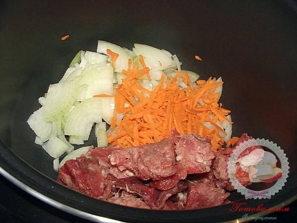 Мясо тушеное в мультиварке