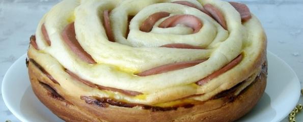 Хлеб в мультиварке с колбасой